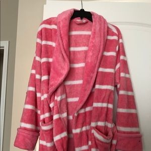 Pink and white Sonoma robe